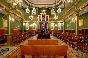 Interior of Kal de los Frankos, the Italian synagogue in Istanbul. Source: Turk Yahudileri.