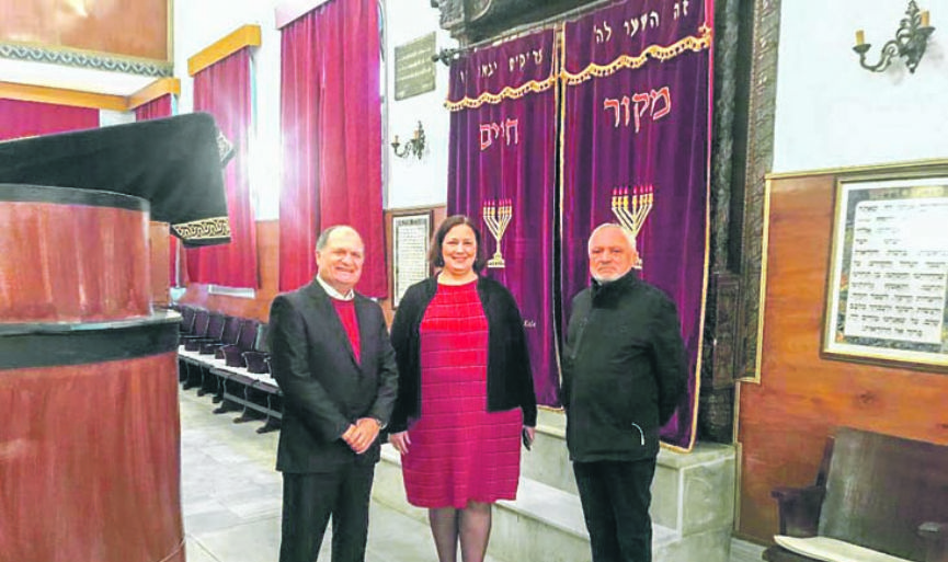 Çanakkale Synagogue Welcomed U.S. Consul General Darnell