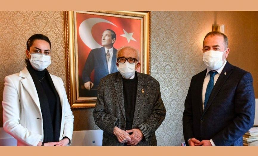 Hanri Benazus Donated His 10,000 Atatürk Photos to Ankara Municipality