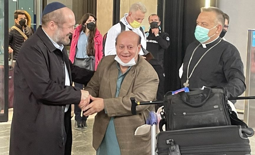 After a Month in Hiding, Afghanistan´s Last Jew Arrives in Turkey