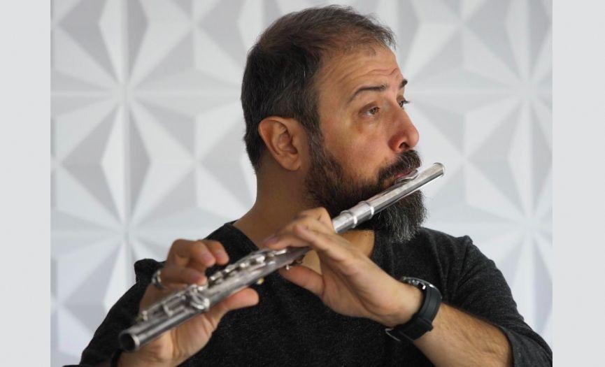 Guest of ´Ikinci Bahar (Second Spring)´ Chorus: Bogachan Sözmen
