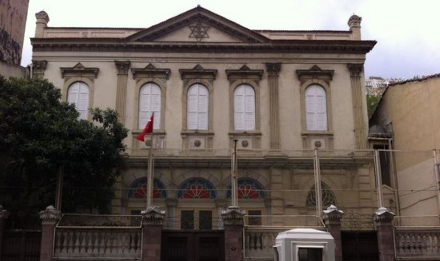 The attacker who threw a petrol bomb to the synagogue in Izmir is  arrested
