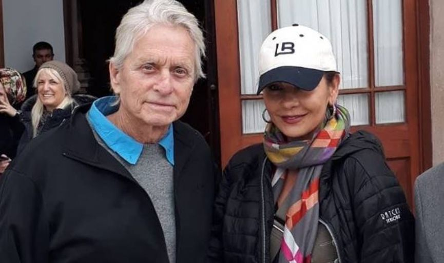 Michael Douglas and Catherine Zeta-Jones in Kuzguncuk Synagogue