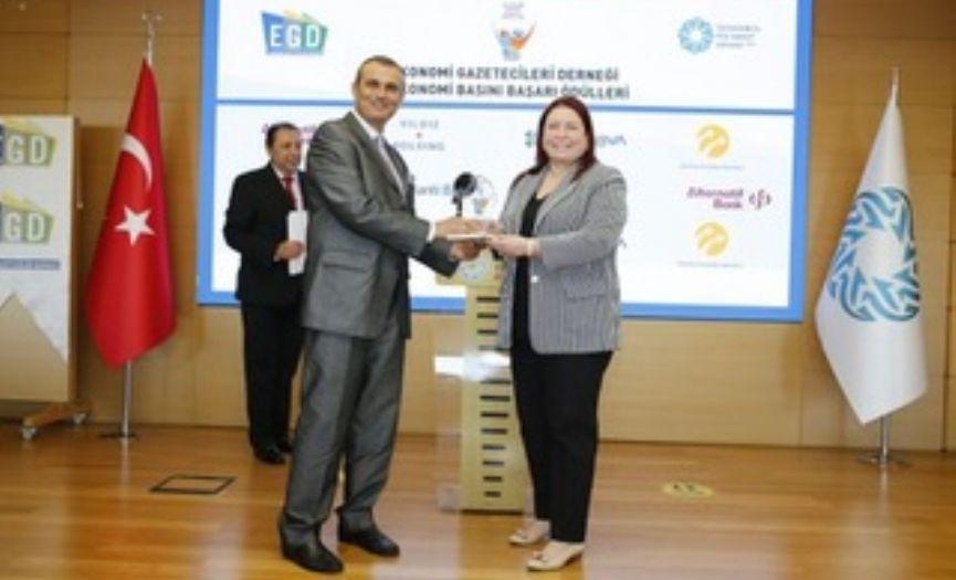 Economy Media Success Award for Cüneyt Dirican